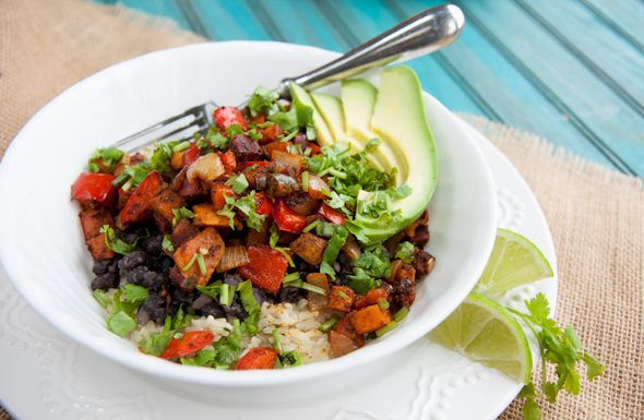 Roasted Veggie and Black Bean Rice Bowls, want to try this with Jakob ...