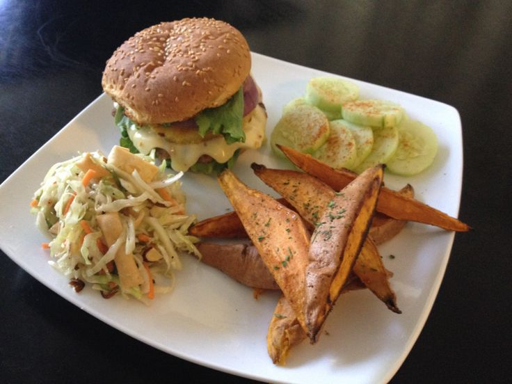 Pepper jack turkey burger with grilled pineapple and red onion, spicy ...