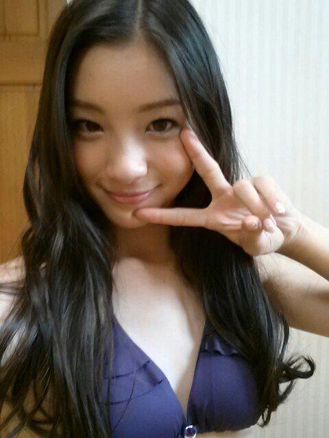 Rika Adachi | good girls | Pinterest: pinterest.com/pin/568579521676844836