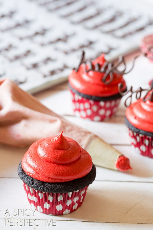 Dark Chocolate Cupcakes with Red Velvet Frosting #valentinesday # ...