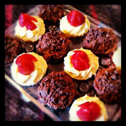 Vanilla & Double Chocolate cupcakes | iBAKE & iMAKE ~ HoMeMade DeSSer...