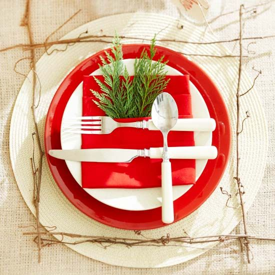 Festive christmas napkin ideas Christmas place setting ideas