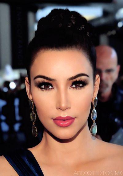 Kim Kardashian make up - love the lips
