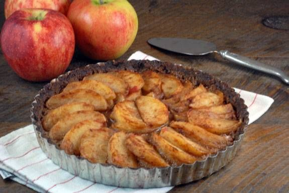 paleo apple tart Replace egg in crust with a flax egg to make this ...