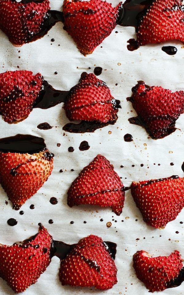 Roasted strawberries + balsamic vinegar | Foood | Pinterest