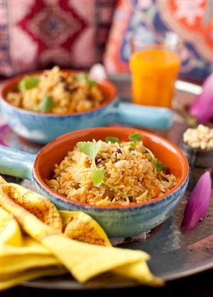 Saffron Rice with Raisins and Pine Nuts | Things I'd like to Eat | Pi ...
