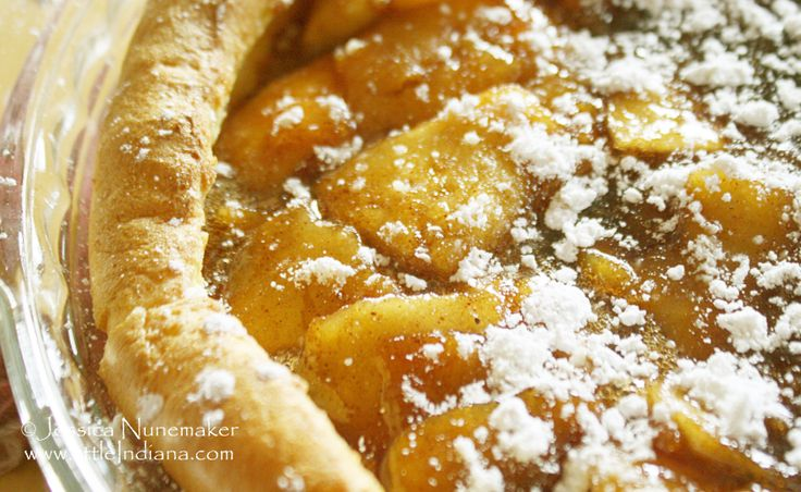 Dutch Apple Pancake Recipe (Pannekoeken Recipe) | littleindiana.com