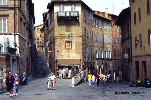 Siena- such a quaint little place and exactly how I imagined Italy to be. Would love to go back and spend more time here.