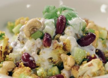 Quinoa salad with cauliflower and red beans