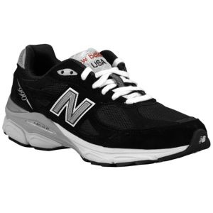 Women's New Balance shoes in Black