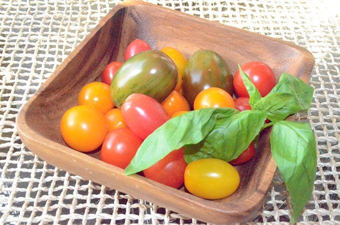 Heirloom Tomato, Basil, Mozzarella + Prosciutto Frittata | StyleChile
