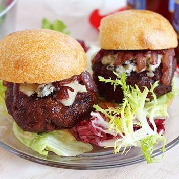 Cabernet And Gorgonzola Burger Sliders Recipe — Dishmaps