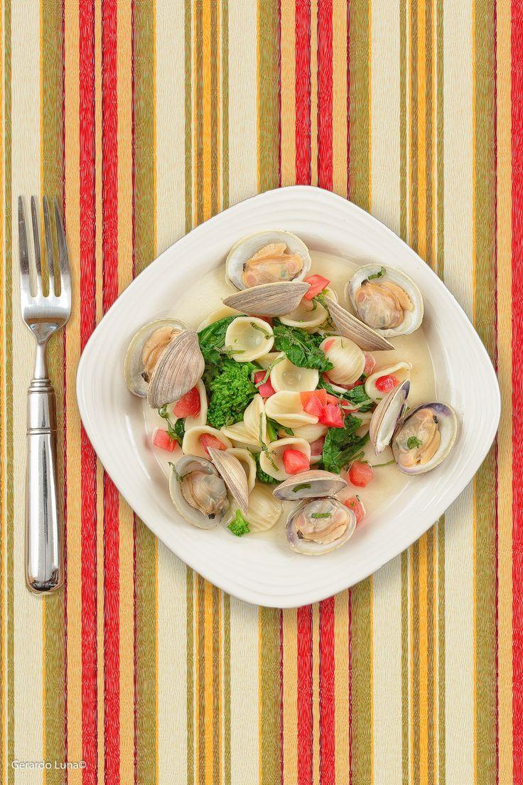 Orecchiette #Pasta with Garlic Clams, Tomatoes, Broccoli Rabe. A light ...