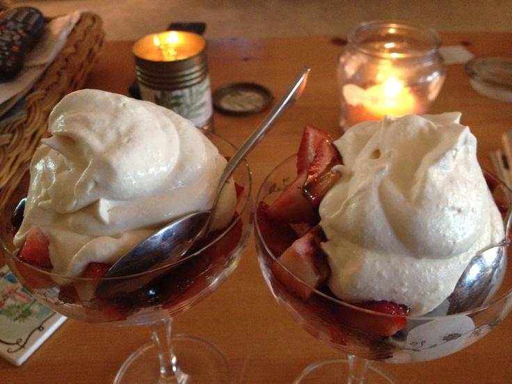Fast easy elegant dessert strawberries amp cookies in warm dark
