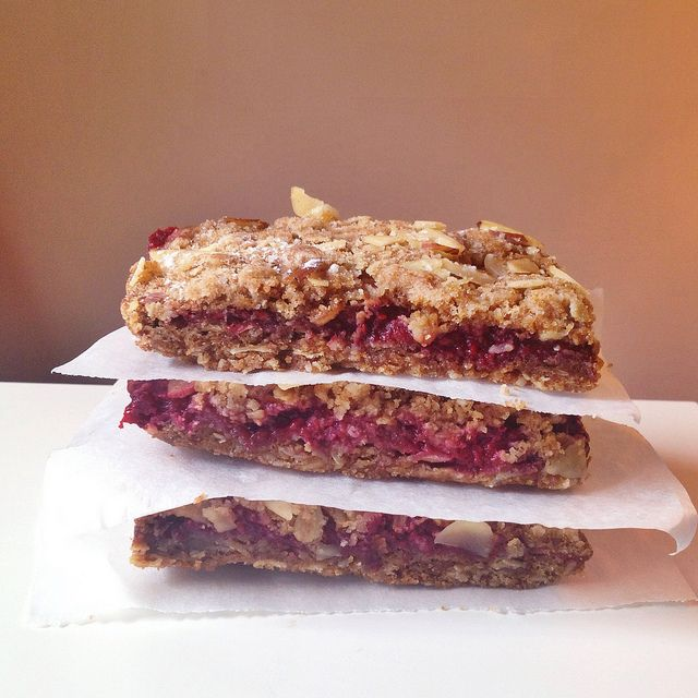 Raspberry Oat Bars! | receipes | Pinterest