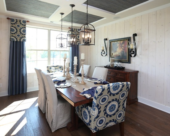 Eclectic Dining Room Accent Wall Design, Window Treatment
