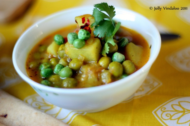 Aloo Matar - Curried potatoes and peas | Sides | Pinterest