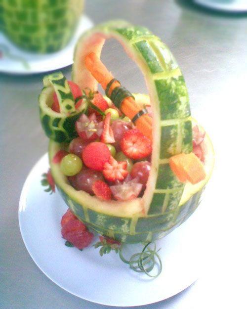 Centro de mesa realizado con frutas decoraciones de for Secar frutas para decoracion