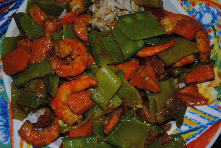 Spiced curry shrimp & veggies + whole rice cooked in coconut milk