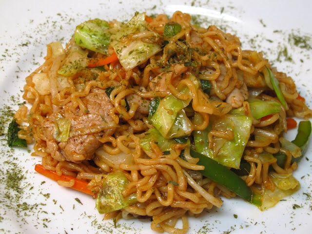 Yakisoba (焼きそば) - Japanese Stir-Fried Noodles Yakisoba ...