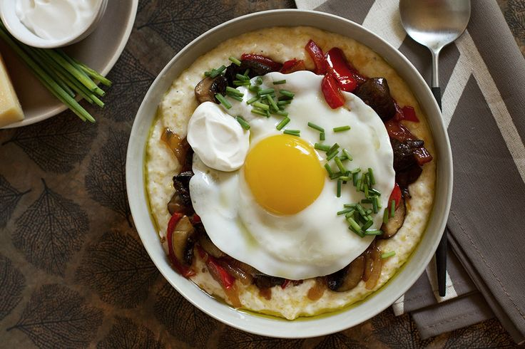 Creamy Polenta Recipe with Sauteed Mushrooms and Peppers, Fried Eggs ...