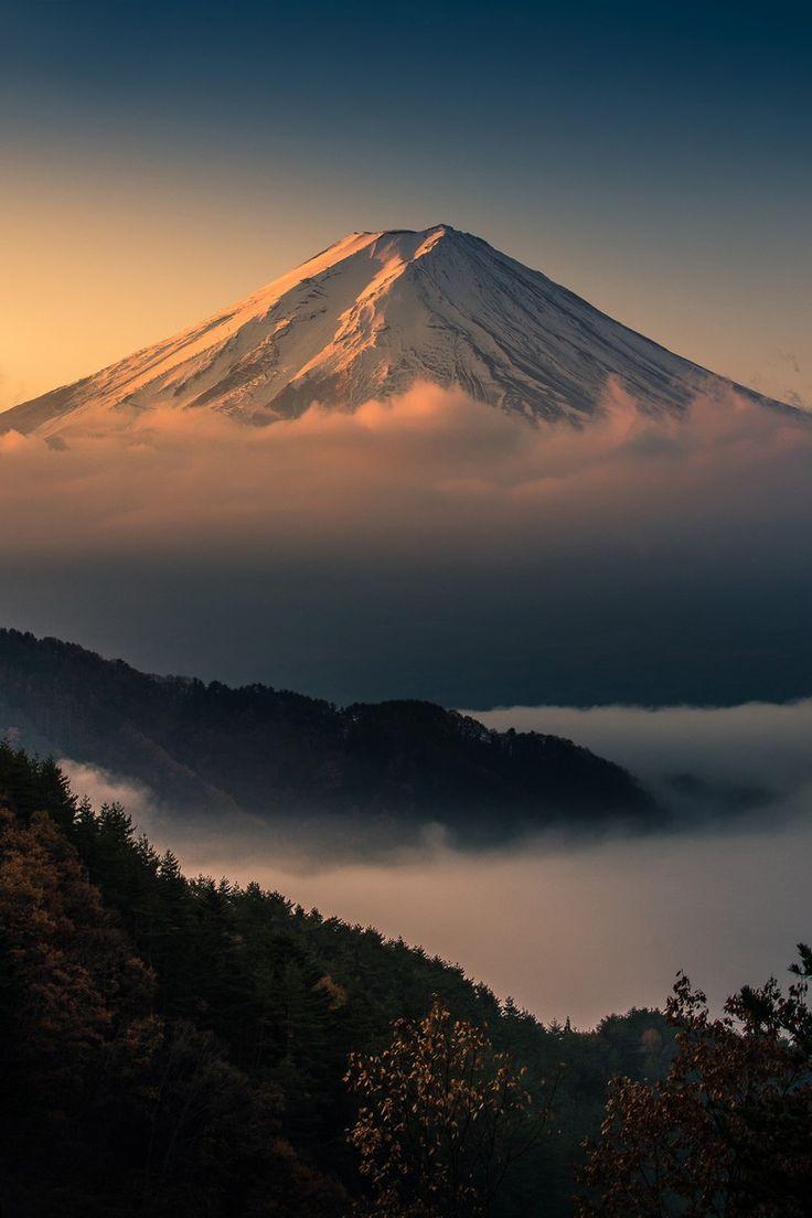 Sunrise Mt. Fuji, by Kwanchai Khammuean  Nippon 日本 (Japan ...