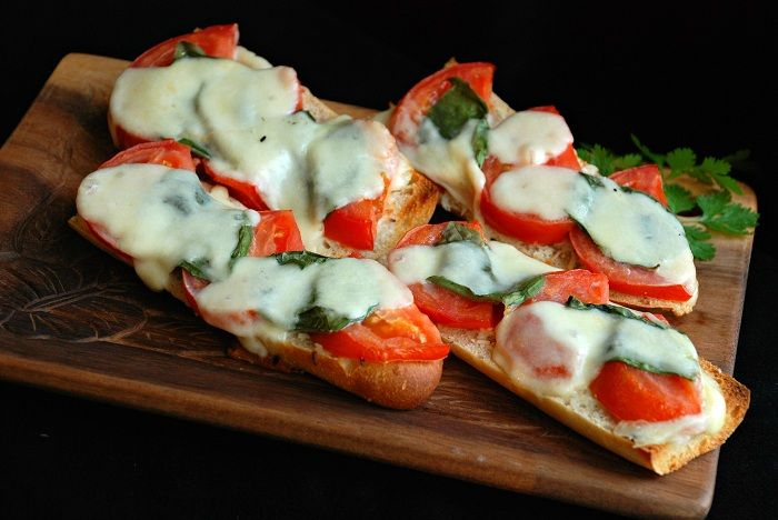 Caprese Bruschetta | Healthy Eating | Pinterest