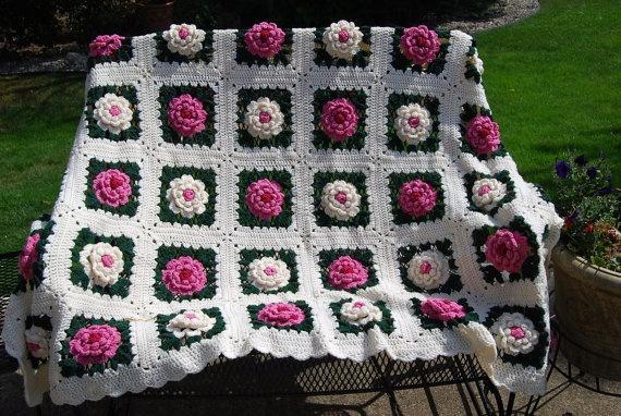 Vintage Pink Rose Afghan by CheekyVintageCloset on Etsy, $32.00
