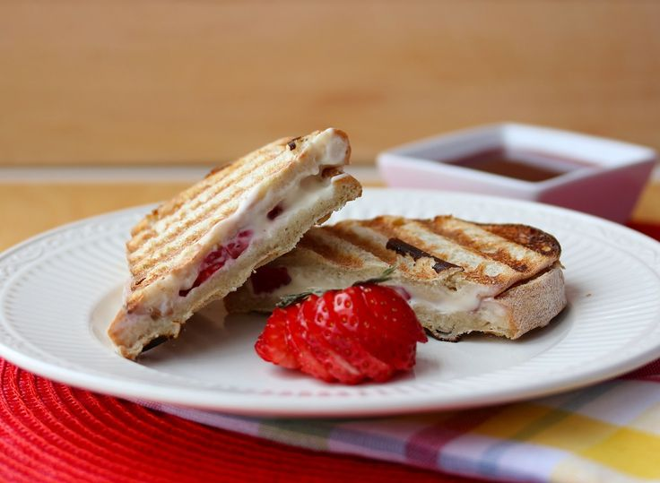 Strawberry and Cheese Brunch Paninis | Sandwiches | Pinterest