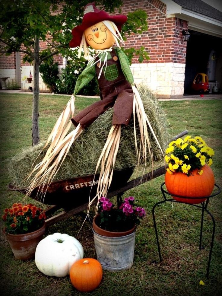 Fall yard decor autumn halloween pinterest for Pinterest halloween outdoor decorations