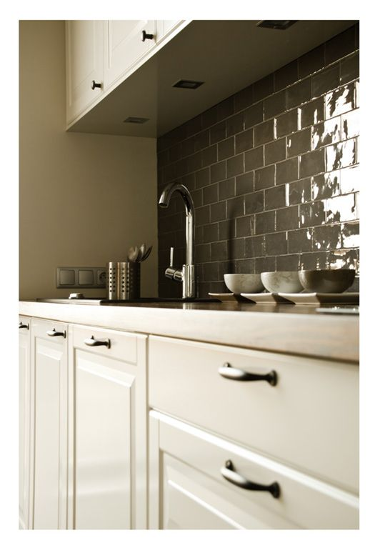 Gray Subway Tile Back Splash It 39 S A Very Traditional Tile With A