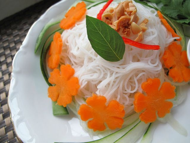 ... : Vegan Bún Chay (Vietnamese Noodle Salad) with Tofu Cheese Balls