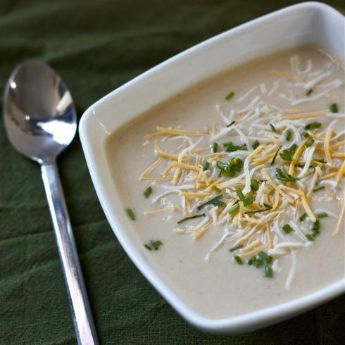 Cauliflower cheddar soup | Noms | Pinterest