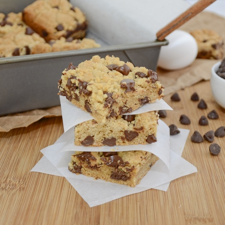 Thick and Chewy Chocolate Chip Cookie Bars. Like a mix between cookies ...