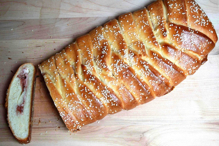 Braided Bread with Strawberry Jam | Bread | Pinterest