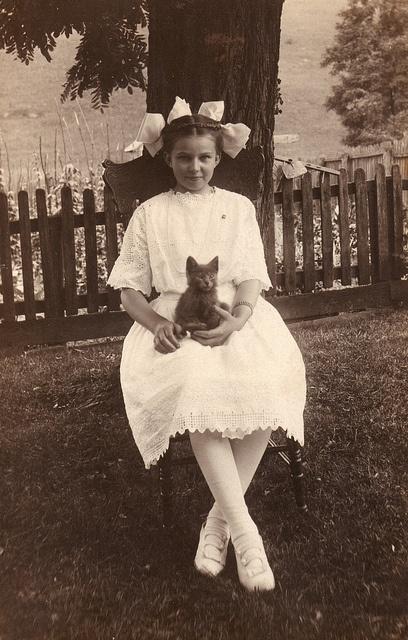 Carte postale Real-photo de Irene Sanders [1902-2001]