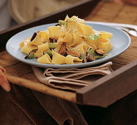 Pappardelle with leeks, shiitake mushrooms & truffle oil