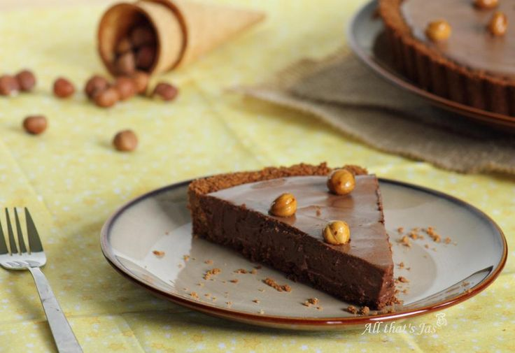 Chocolate Hazelnut Mousse Tart | Around2Food | Pinterest