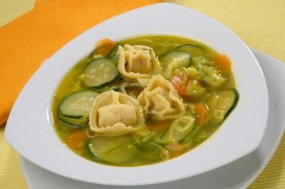 Tortellini and Zucchini Soup   Italian Soup   Pinterest