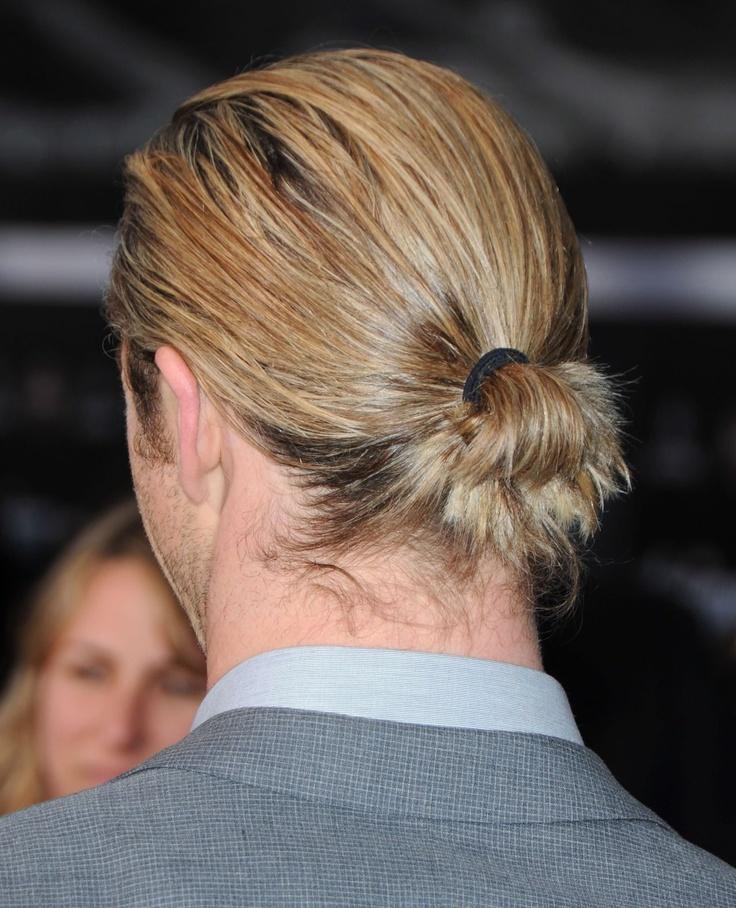 Chris Hemsworth (bun l...