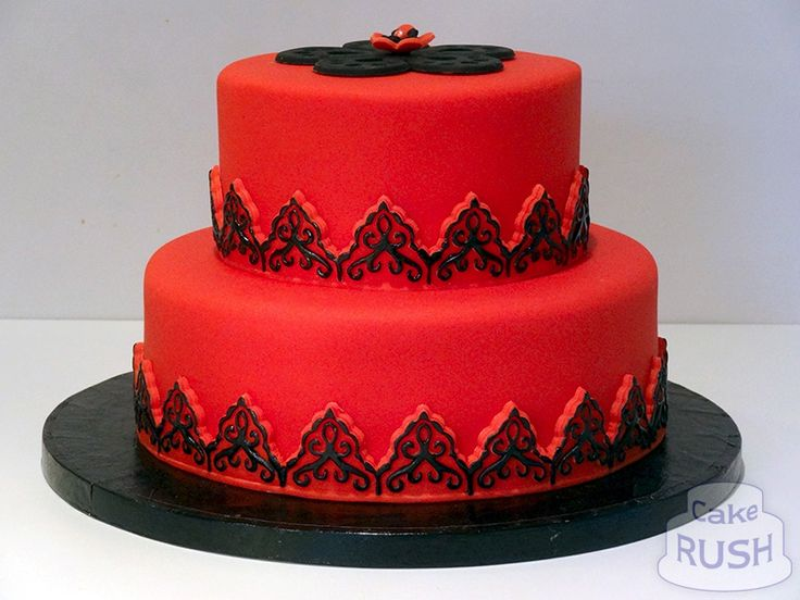 Red and black cake  B-day cakes for me  Pinterest