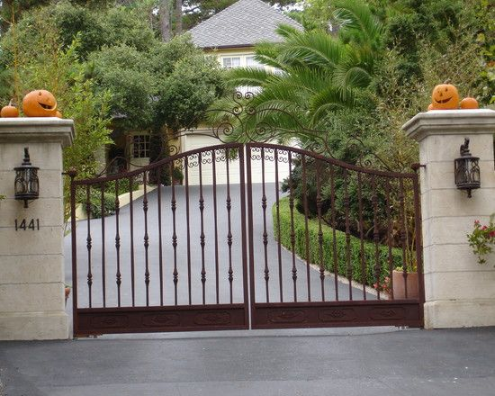 Driveway Design & Entry Gate w/ lights | Gates | Pinterest
