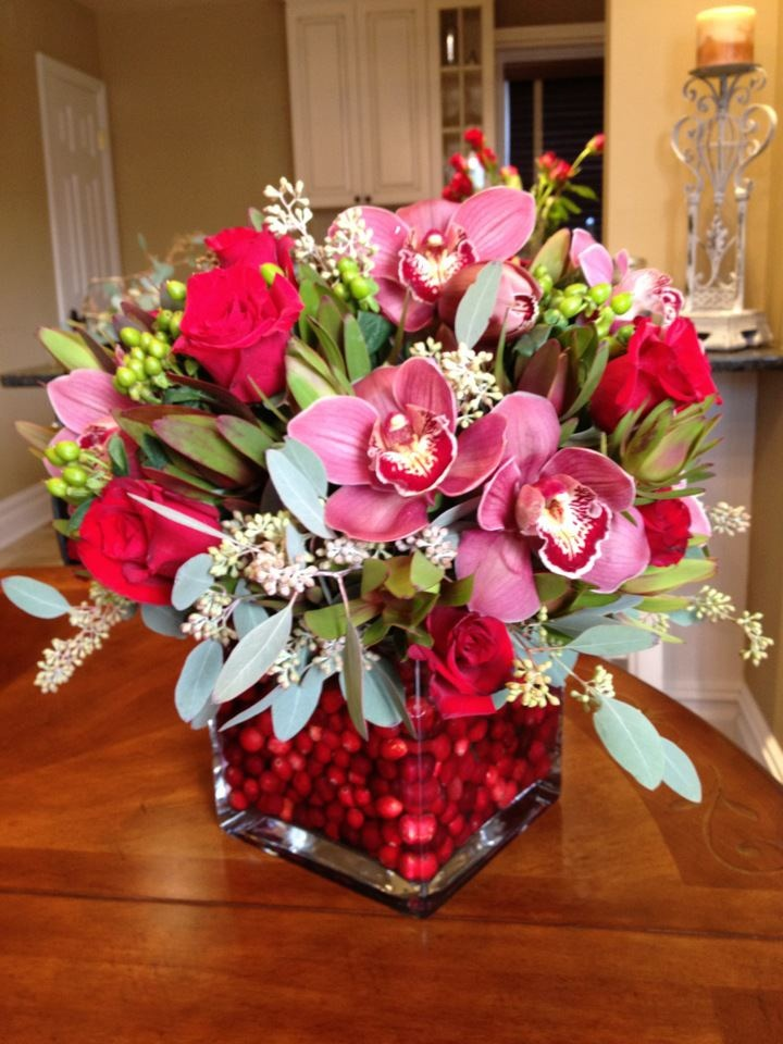 Pin by leah on engagement party pinterest for Flower arrangements for parties