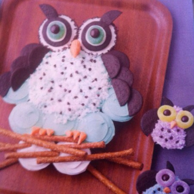 Cake Designs Made Out Of Cupcakes : Owl cake made out of cupcakes :) Event ideas Pinterest