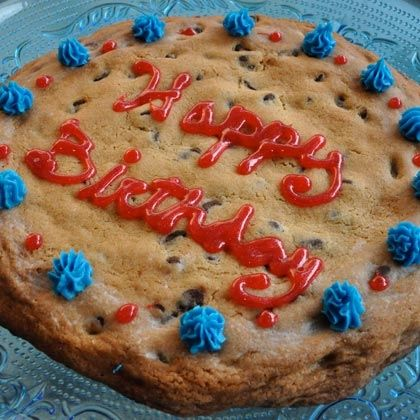Giant Chocolate Chip Cookie Cake Recipe | Cakes | Pinterest