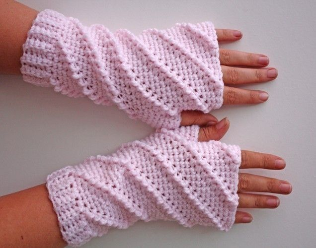 Crochet Patterns Gloves Fingerless : PATTERN - Crochet Whipped Fingerless Gloves - Free International ...