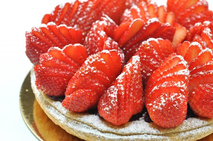 Strawberry Tarts with Cassis Cremeux