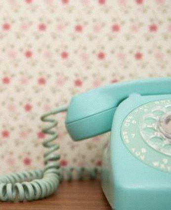 I want a blue telephone...
