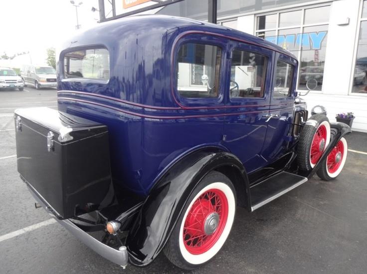 1932 chevrolet 4 door sedan deluxe cars pinterest for 1932 chevy 4 door sedan