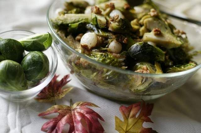 Recipe: Brussels Sprouts with Caramelized Pearl Onions and Maple Syrup